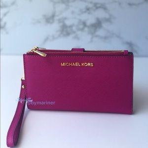 🍀 Michael Kors Jet Set Travel Wristlet Wallet